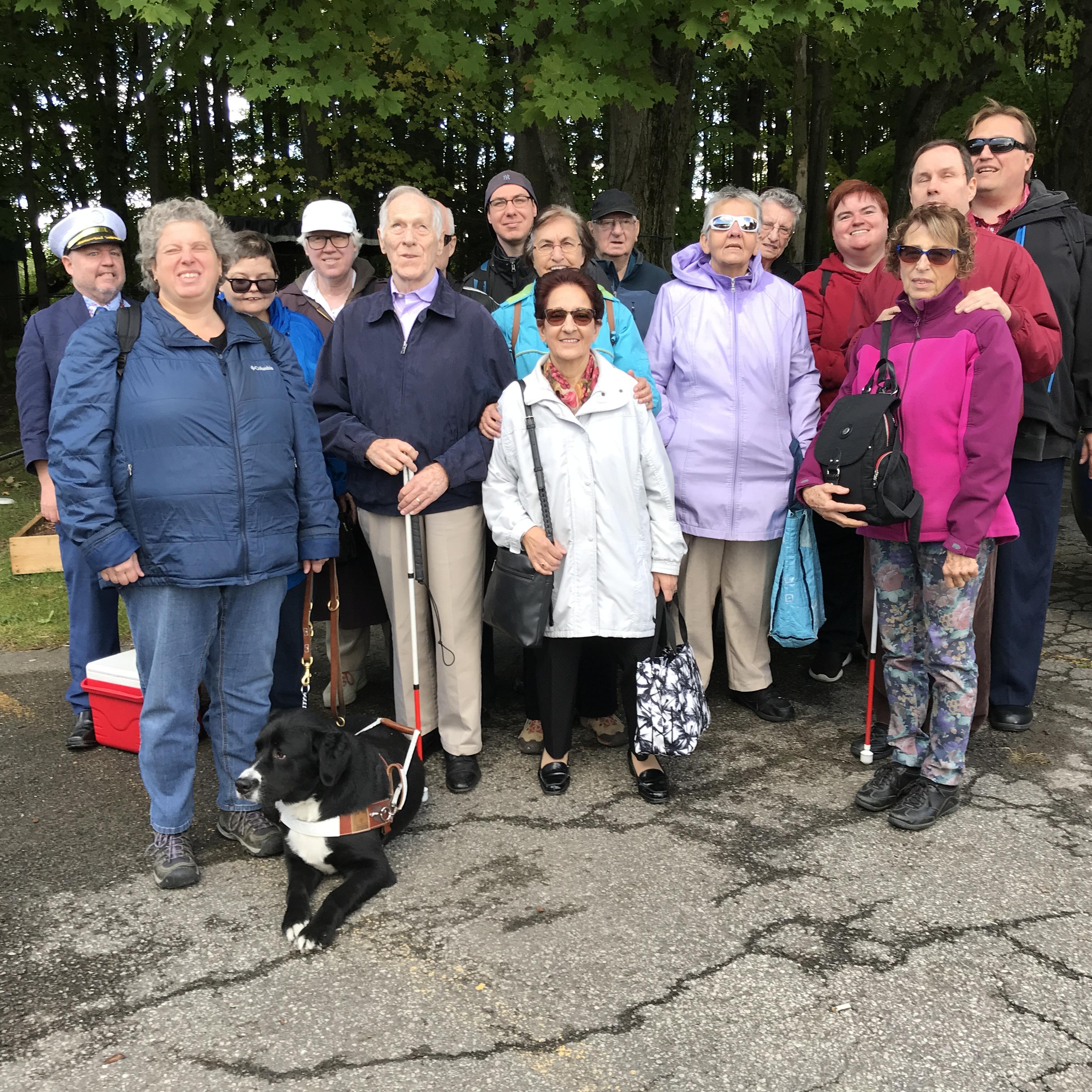 Groupe qui a participé à l'épluchette de blé d'Inde et à la cueillette de pommes qui a eu lieu le 29 septembre 2018 au Chalet du ruisseau situé à Mirabel.