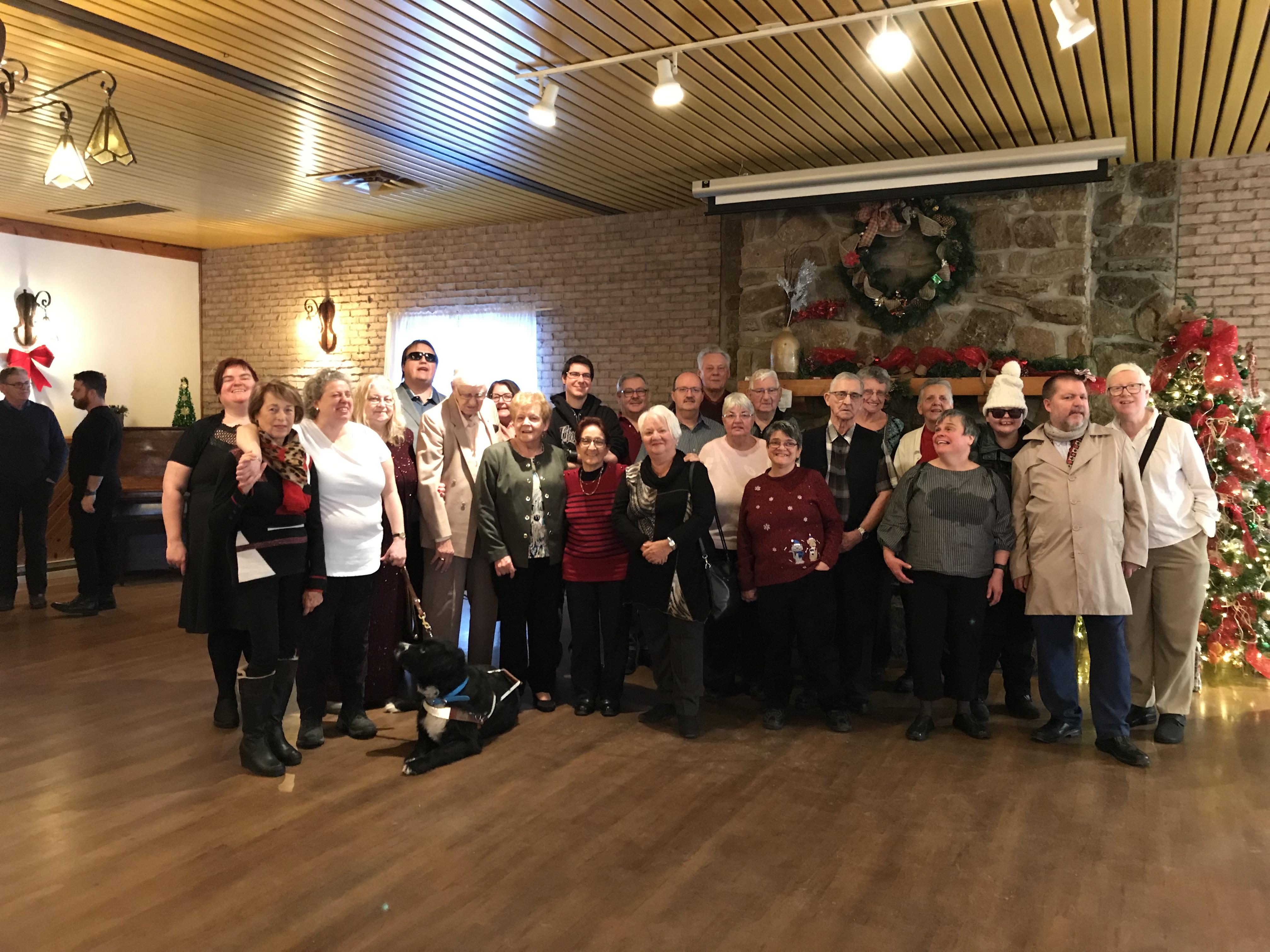 Groupe qui a participé au dîner de Noël qui a eu lieu le 9 décembre 2018 au Chalet du ruisseau situé à Mirabel.