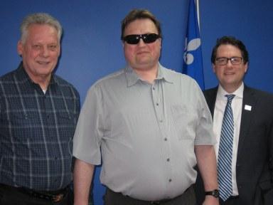 André Chaput, Martin Morin et Bernard Drainville lors d'une rencontre le 18 mars 2016 dans le cadre du programme soutien à l'action bénévole.