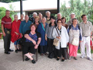 Groupe ayant participé à l'épluchette de blé d'Inde et à la cueillette de pommes.