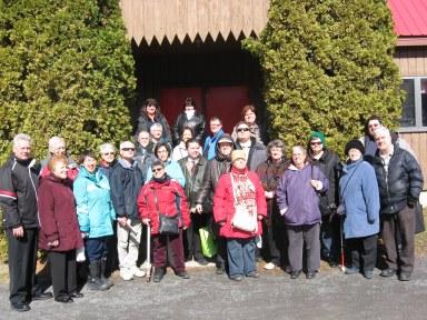 Groupe qui a participé à la cabane à sucre qui a eu lieu le 2 avril 2016 au Toit rouge situé au Mont-Saint-Grégoire.